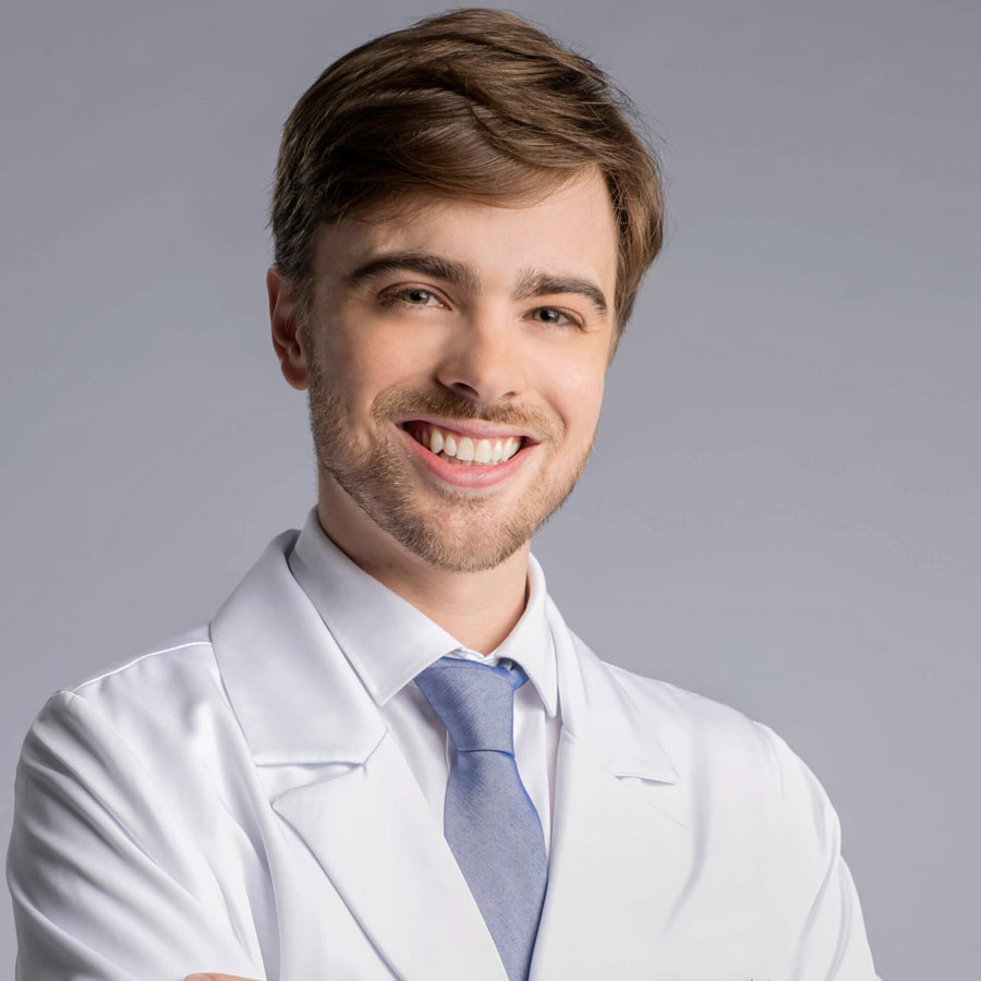 Dr André Adriano